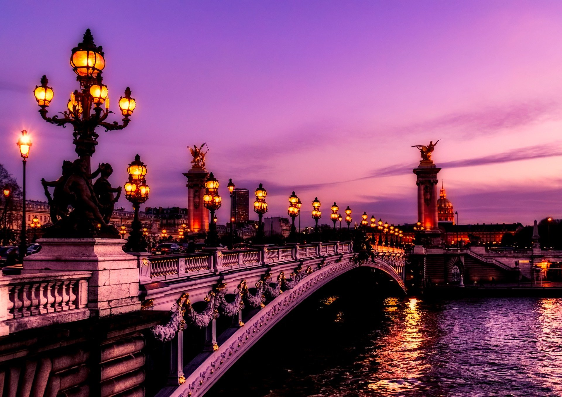 Balade touristique ou visite guidée à Paris?